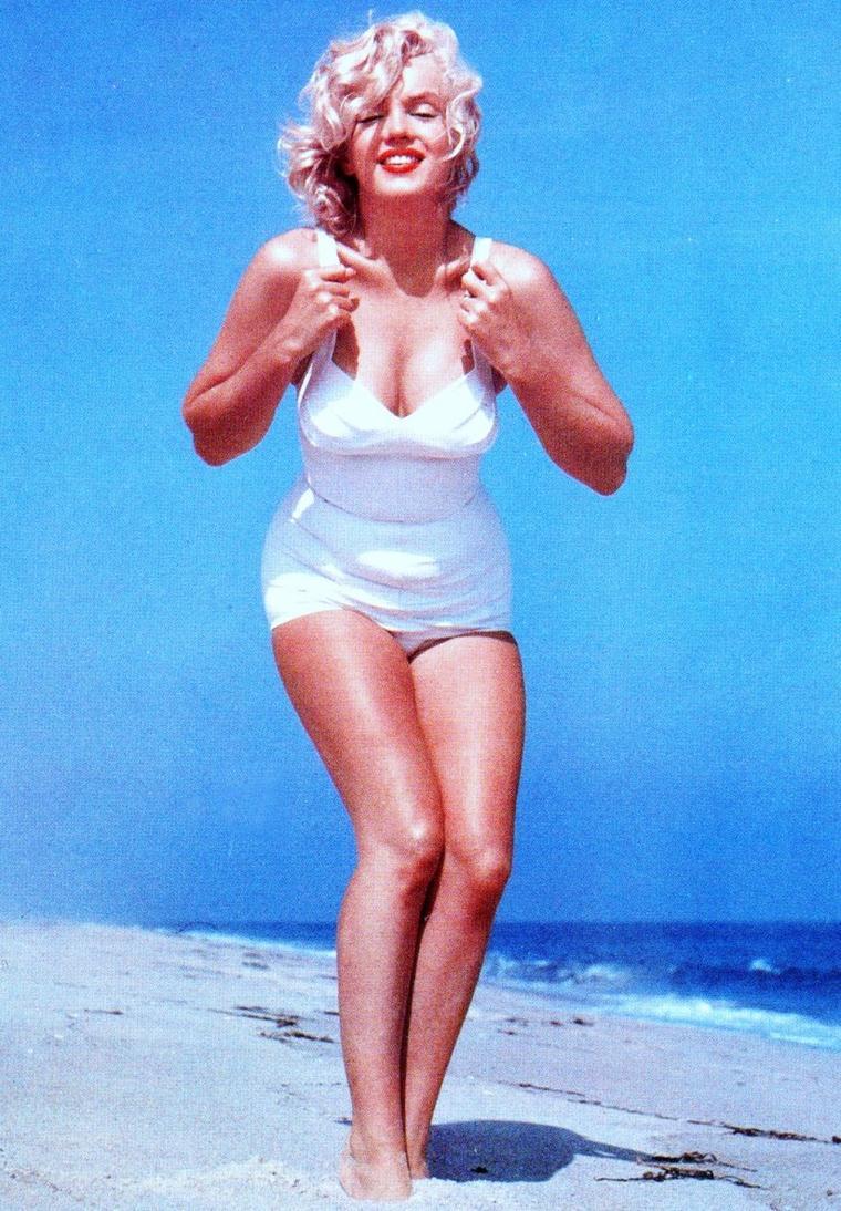 Sur la plage d'Amagansett en 1958 avec Marilyn sous l'objectif de Sam SHAW