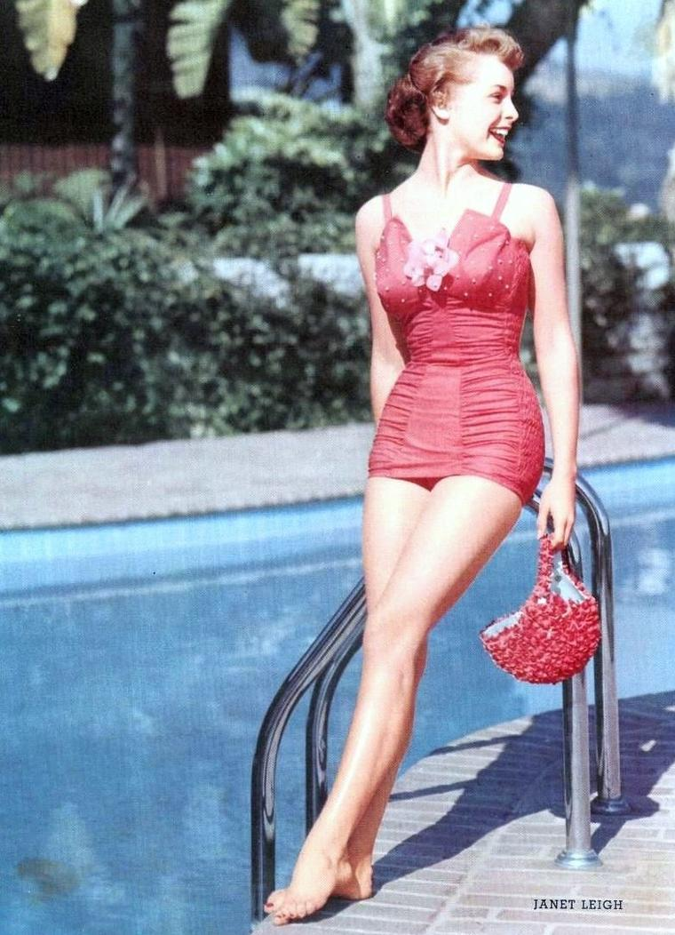 On prolonge les vacances avec... (de haut en bas) Janet LEIGH / Danielle DARRIEUX / Debbie REYNOLDS / Esther WILLIAMS / Marilyn MONROE / Ann SHERIDAN / Sheree NORTH / Tuesday WELD