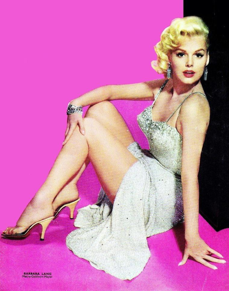 Platinum blonde... (de haut en bas) Betty GRABLE / Carroll BAKER / Jean HARLOW / Jayne MANSFIELD / Barbara LANG / Marilyn MONROE / Sheree NORTH / Mamie Van DOREN