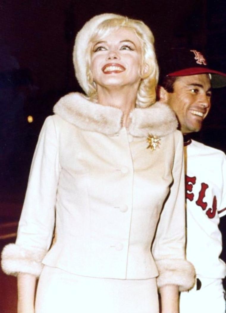 Invitée d'honneur... Marilyn MONROE, lors de diverses premières et galas.