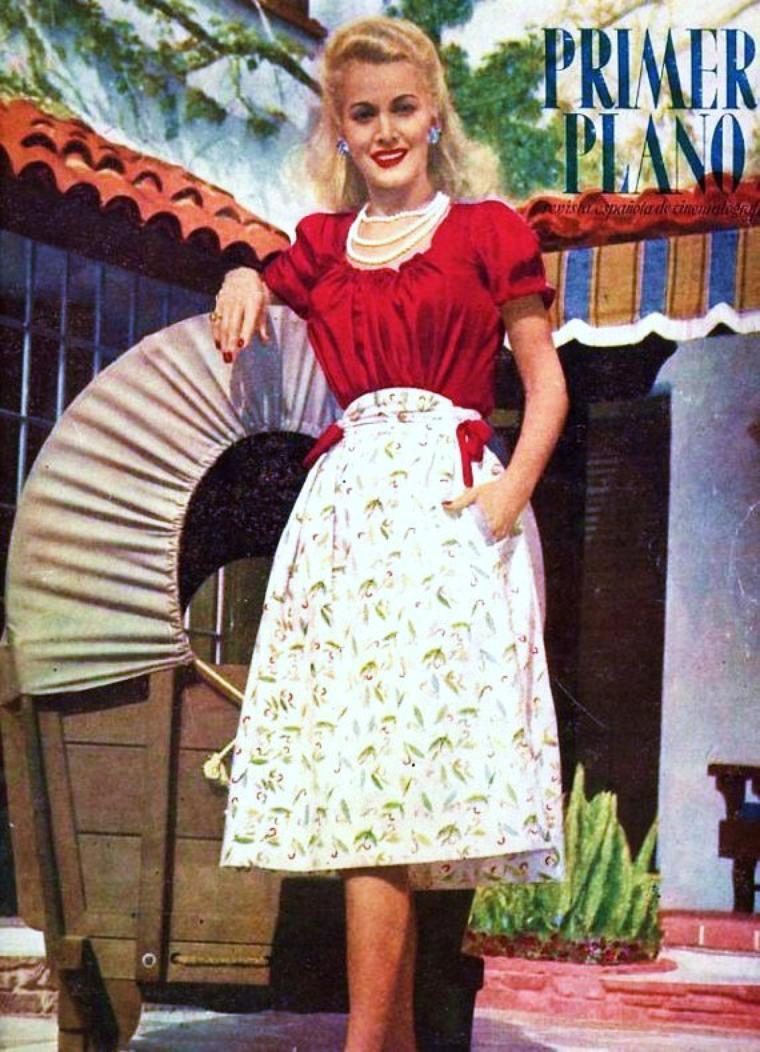 La MODE selon les époques... Les années 30 avec Toby WING / Joan CRAWFORD / Les années 40 avec Carole LANDIS / Barbara STANWYCK / Les années 50 avec Brigitte BARDOT / Ava GARDNER / Les années 60 avec Catherine DENEUVE / Sharon TATE