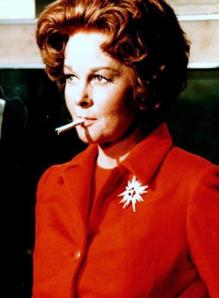Pause cigarette... (de haut en bas) Marilyn MONROE / Senta BERGER / Ruth LEUWERIK / Susan HAYWARD / Anita EKBERG / Ava GARDNER / Gina LOLLOBRIGIDA / Michèle MERCIER