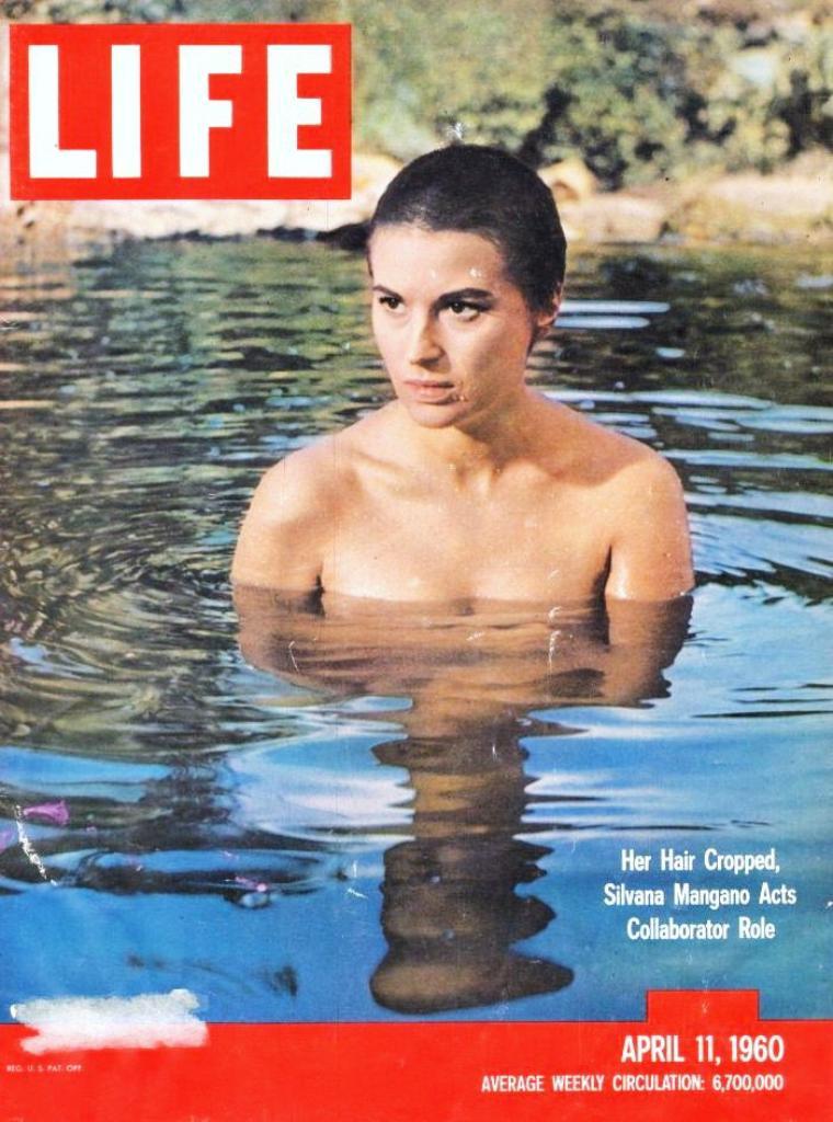 Elles ont fait la cover de LIFE (et bien d'autres encore)... / Life (généralement typographié LIFE) est un magazine américain. Créé par Henry LUCE en 1936 (premier numéro : 23 novembre 1936), Life est d'abord un hebdomadaire jusqu'en décembre 1972. De 1972 à 1978, il ne paraît plus que deux fois par mois. En octobre 1978, il devient mensuel, excepté pendant une partie de la Guerre du Golfe où il retrouve sa périodicité hebdomadaire. En 2000, la publication cesse et reprend en octobre 2004 sous forme hebdomadaire, comme supplément à des quotidiens américains (plus de 70 journaux, soit un public de plus de 12 millions de lecteurs). Sa publication papier s'est arrêté le 20 avril 2007, mais la marque survivra comme site Internet et éditeur de livres de photographies. Le principe des fondateurs de Life a été de mettre l'accent sur l'image photographique, ce qui a révolutionné le journalisme. Pour un évènement important, Henry LUCE n'envoyait pas un mais plusieurs photographes. Alfred EISENSTAEDT et Margaret BOURKE-WHITE sont les deux plus célèbres photographes employés par Life, mais bien d'autres photojournalistes ont vu leurs images publiées par Life, tels que Robert CAPA, Lee MILLER, Mark SHAW, Grey VILLET ou Burk UZZLE, qui fut, en 1962, à 23 ans, le plus jeune photographe à obtenir un contrat du célèbre magazine. La philosophie du magazine Life a inspiré, entre autres, la création du magazine français Paris Match (1949). Le numéro du 27 juin 1969 inclut une douzaine de pages avec les photos des 242 soldats américains tués en une semaine au Viêt Nam. En 2008, des millions de photographies du magazine ont commencé à être mises en ligne par Time Warner et Google.