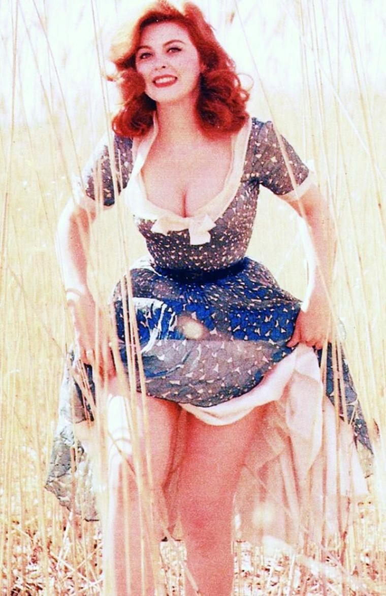 Tina LOUISE pictures... (part 3).