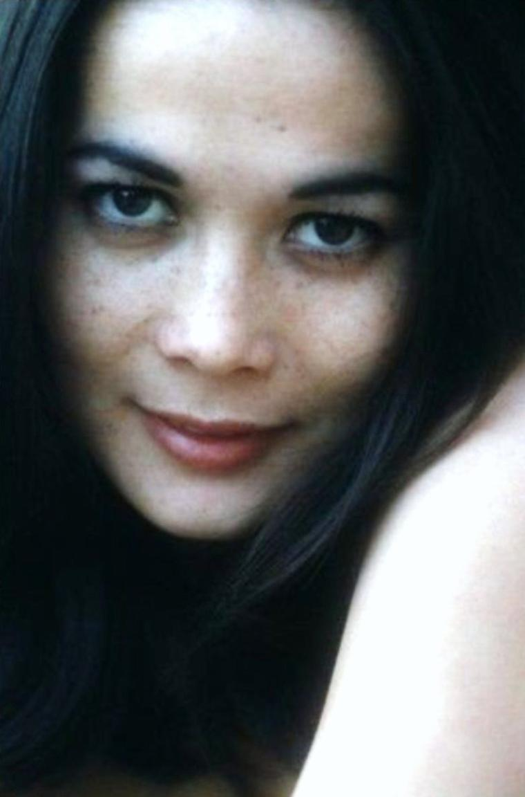 GROS PLAN sur... Nancy KWAN (1960)
