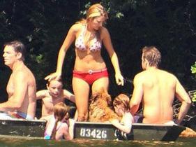 Blake et son prince au bord d'un lac ...