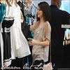 """* << mignon, féminine et bohémien, tel est le style que je voit pour Dream Out Loud >>  ( Selena Gomez ) * Selena Gomez va crée sa propre marque de vêtement intitulée Dream Out Loud, cette collection sortira Automne 2010. Selena a annoncée que créer sa propre marque de vêtement a toujours était son rêve. Elle désigne sa ligne comme étant """"mignon, féminine et bohémien"""". Cette collection nous proposera des robes, jupe, jeans, tee-shirts, sacs, chapeaux et accessoires divers. La plus part des vêtements seront fait en coton doux biologique et tous les tissus sont recyclés ou écologique, qui pour Selena, est super important."""