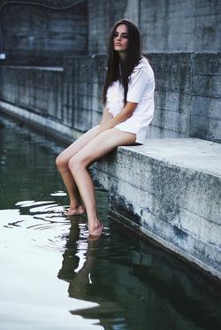 Je crois que la chose la plus dure à faire dans une vie , c'est de s'assumer comme on est.