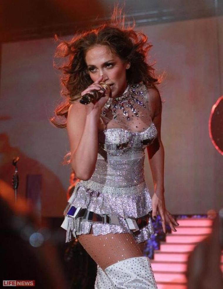 "Jennifer Lopez - ""I'm Into You""  Summertime Ball'"