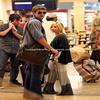 0 Ashley Tisdale et son copain ont été vu pour la dernière fois à l'aéroport Cabo pour prendre un vol en direction de Los Angeles, après une courte pause à Cabo San Lucas au Mexique. Tranquil le look Ash ;)  0