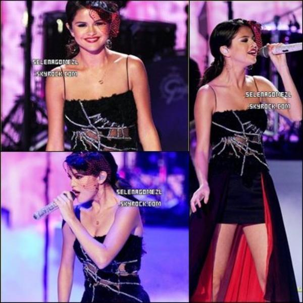 . Selena Gomez au Teen Choice Awards 2011. .