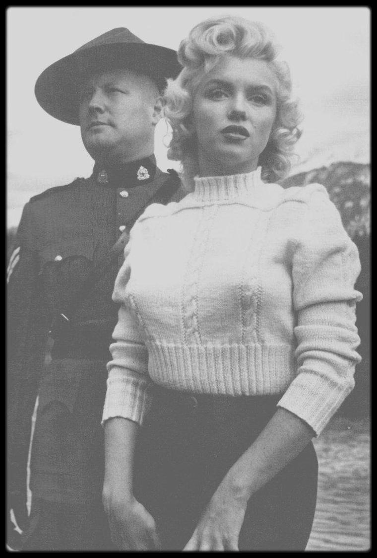 """1953 / Photos Allan """"Whitey"""" SNYDER , (maquilleur et ami de Marilyn) et de John VACHON, au Canada, Banff, lors des extérieurs du film """"River of no return""""."""