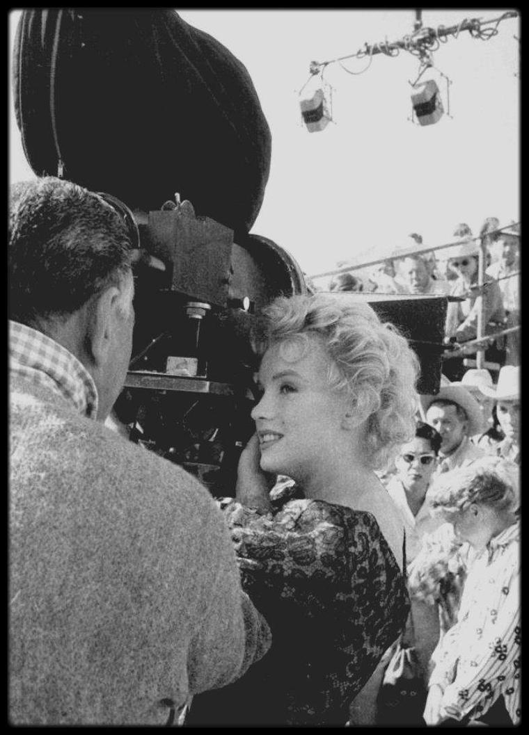 """1956 / Marilyn on the set of """"Bus stop"""". (quelques photos signées Milton GREENE)"""