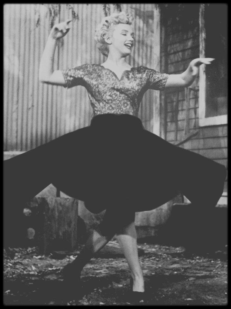 """1951 / CRITIQUE DU FILM """"CLASH BY NIGHT"""". (Journal """"Liberation"""" 2003 par Isabelle POTEL)."""