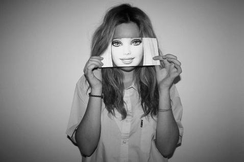 I'm not perfect like a Barbie and I'm lovin' it