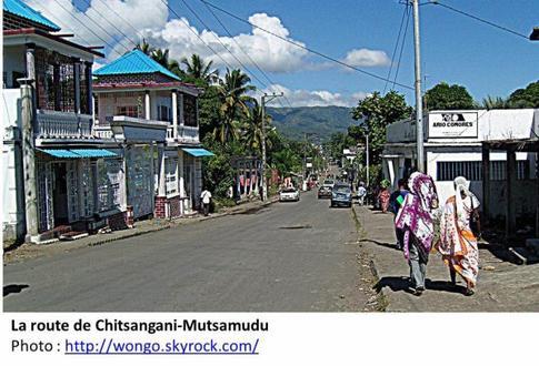 COMORES: LA REFECTION DES ROUTES D'ANJOUAN, SOURCE DE RICHESSES OCCULTES POUR LES NOUVELLES AUTORITES
