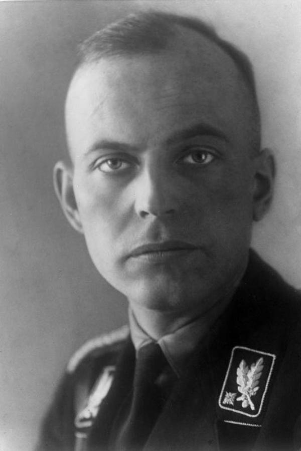 Des Criminels Nazis (9776)