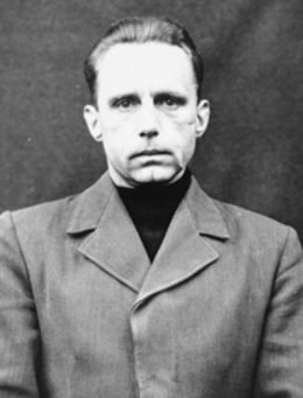 Criminels Nazis   (7406)