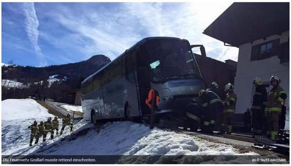 Frayeur en Autriche : un car avec 42 enfants belges a évité une chute de 250 m
