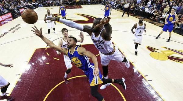 Cavs Akan Kembali Kunci Curry pada Gim 5 Final NBA 2017 | Berita Olahraga Terkini