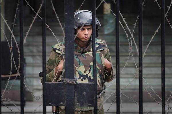 Egypt's revolution will not be militarised   US & Canada   Al Jazeera