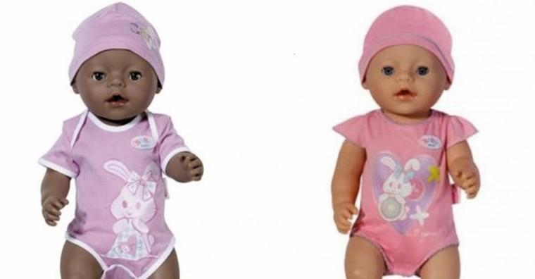 Clients scandalisés: un supermarché vend une poupée à la peau noire moins cher que celle à la peau blanche