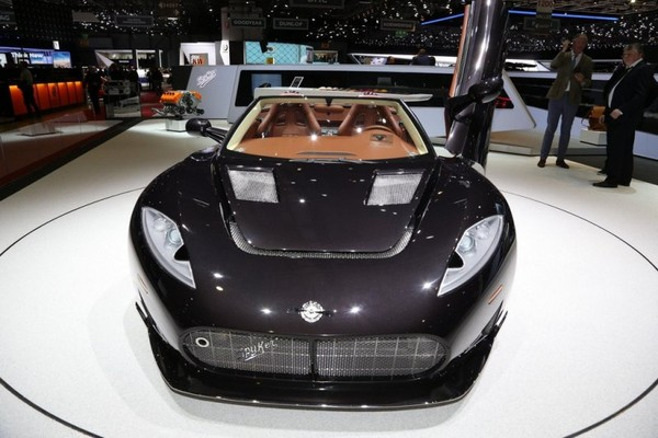 Koenigsegg powered Spyker C8 Preliator Spyder revealed