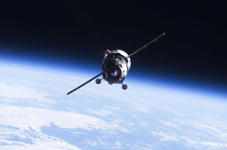 Un cargo spatial russe chute vers la Terre, mais ne s'écrasera pas entier