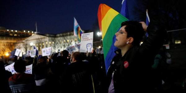 Annulation des protections pour les étudiants transgenres aux États-Unis