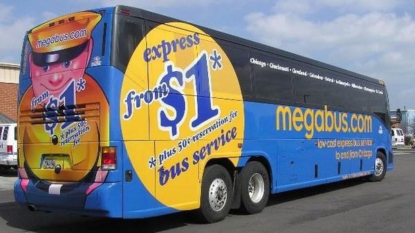 Autocar stoppé en Espagne : Megabus dément être en tort - France 3 Midi-Pyrénées