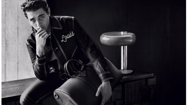 News par Louis Vuitton LA COLLECTION DE CUIR « OMBRÉ » AVEC XAVIER DOLAN