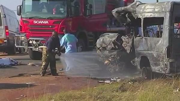Afrique du Sud : 19 enfants périssent dans l'accident de leur minibus
