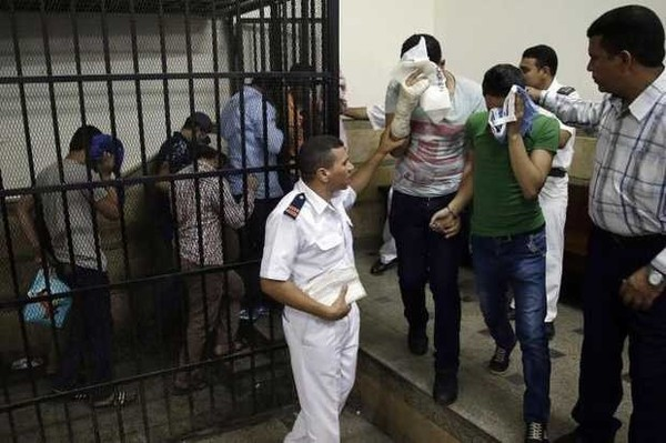 After police raid in Cairo, advocates call for #SolidarityWithEgyptLGBT