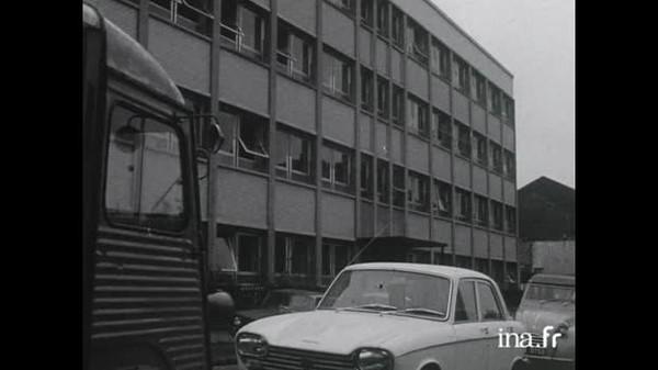 L'usine de construction de moteurs diesel Peugeot à Lille