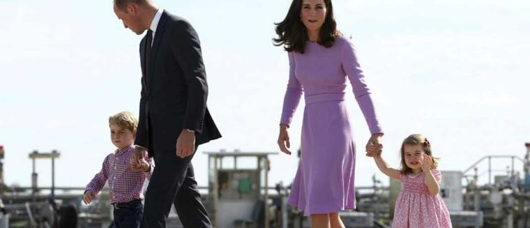 Baby George et la princesse Charlotte auront un petit frère ou une petite soeur en...
