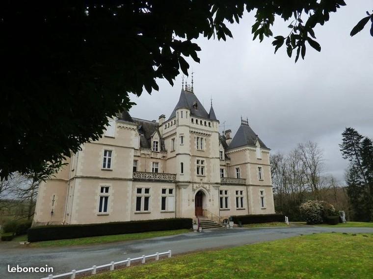 Château 20 pièces 390 m²