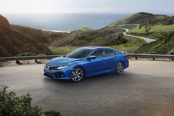 The 2017 Honda Civic Si hits the American showrooms
