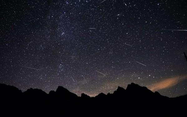 Deux pluies d'étoiles filantes à voir cette nuit