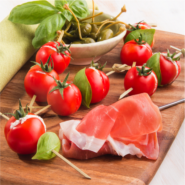 Brochettes de tomates cerise farcies à la mousse jambon de Parme