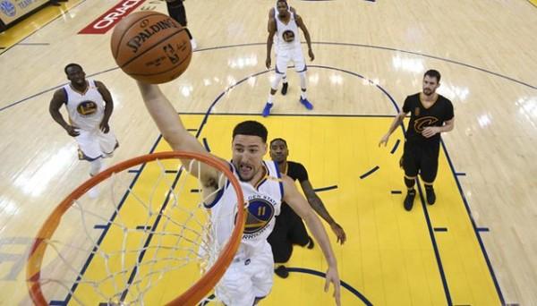 Kalahkan Cavaliers 4-1, Golden State Warriors Juara NBA 2017   Berita Olahraga Terkini