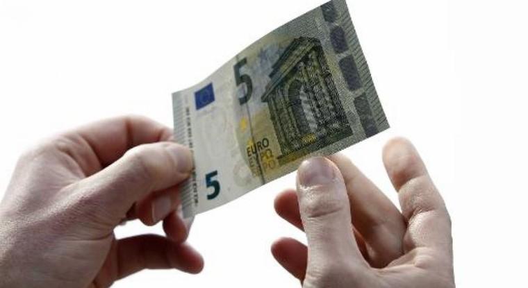 Une pièce de 5 euros? La Monnaie de Paris défend son idée - RTBF Economie