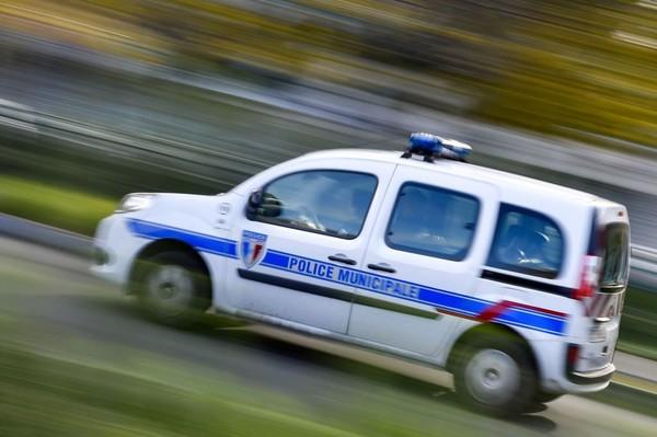 BREST - En état d'ébriété, il rentre dans une voiture de police qui était sur sa place