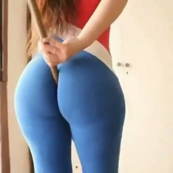Sexy Girls in Yoga Pants of 07/DEC/2016 NR 3 - Booty Miss
