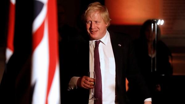 Royaume-Uni : Boris Johnson propose à la France un pont de 35 kilomètres au-dessus de la Manche