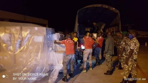 Coronavirus : déjà des détournements dans les 100 000 masques à usage unique, 20 000 kits de tests     Comores Infos