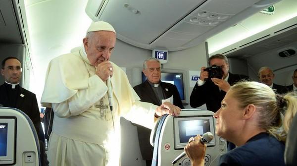Pape François: «Si je parle de violence islamique, je dois parler de violence catholique»