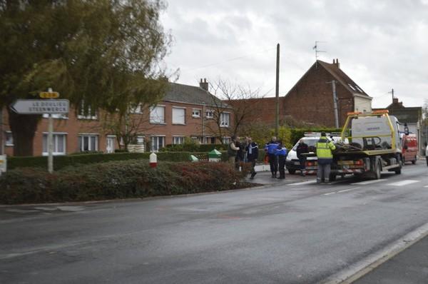 Neuf-Berquin: un motard de 44 ans décède après avoir percuté un bus