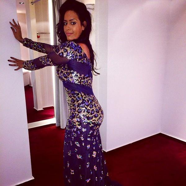 .@inst_amel | Bon bah comme c'est pas la robe que je mettrai sur scène...je peux quand même...