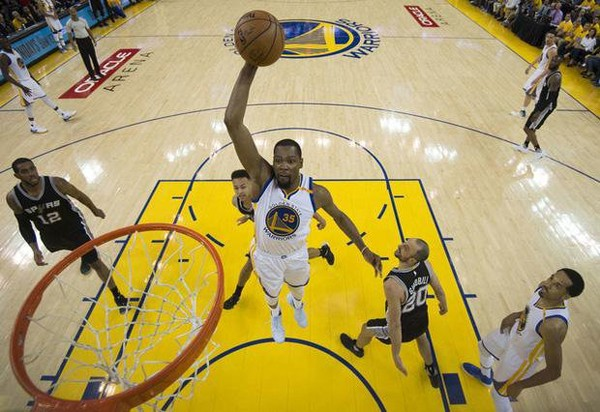 Warriors Cetak Kemenangan Perdana di Final NBA Wilayah Barat   Berita Olahraga Terkini
