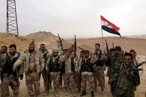 Ejército sirio toma totalmente Sukhnek y ataca en Raqqa y DeirEzzor